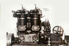昭和21年自社製作焼玉エンジン1号機